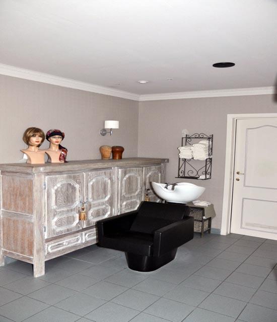 Het kapsalon  Het Haarhuis Uw specialist in Oostvlaanderen # Wasbak Salon_014204